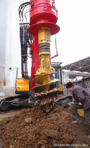 буровые установки работают на объекте нефтяной промышленности