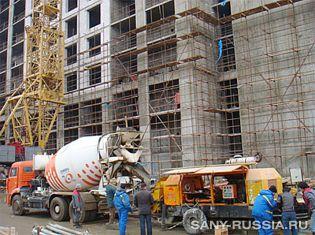 Стационарный бетононасос SANY на строительстве в Санкт-Петербурге