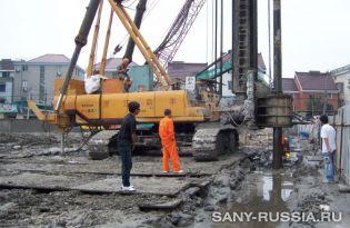 Универсальная сваебойная установка SANY SF808 на строительстве коммерческого центра