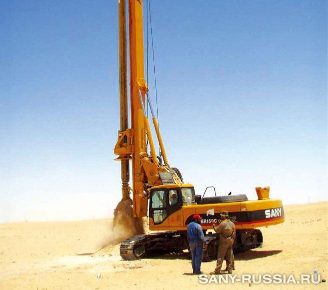 буровая установка SANY SR150C работает в условиях пустыни (фото)
