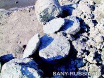 Аргиллитовый слой, два слоя песчаника смешанного с булыжником